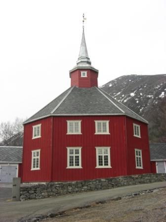 https://oppdal.kirken.no/img/14_01_22_Loenset_kirke/Loenset_kirke_022.jpg